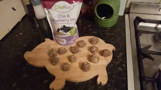 runhelenrun - Cheeky Monkey Chia Balls pre cooking